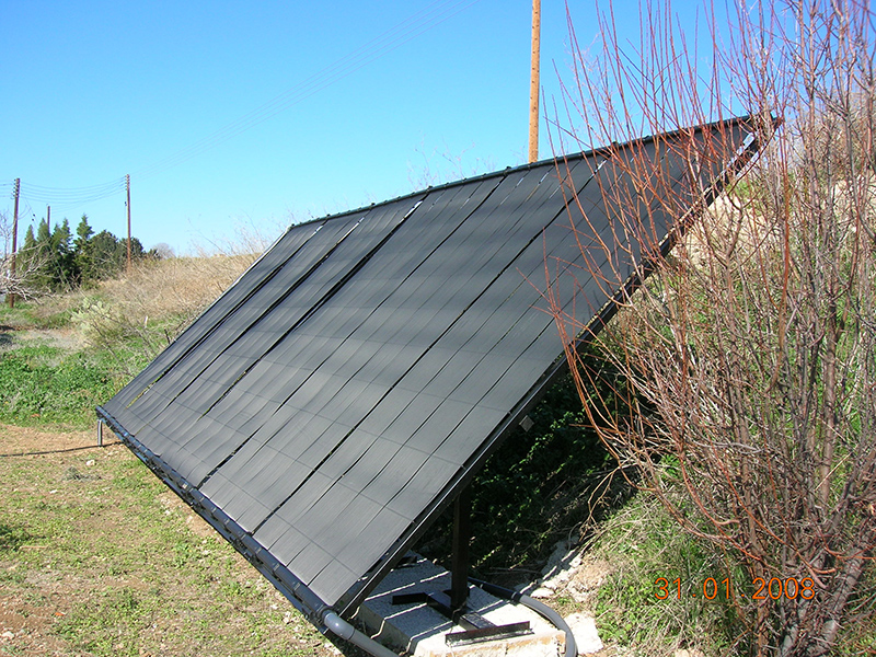 solar_panels_in_field